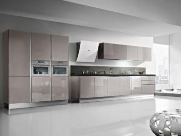 ristrutturazione-cucina-materiali-laccato-lucido-costi