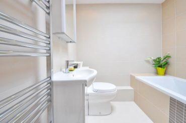 bagno-ristrutturato in un piccolo spazio
