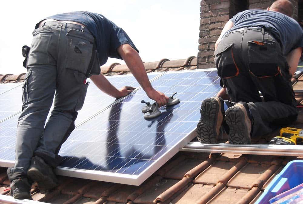 Pannelli-solari-per-acqua-calda-e-riscaldamento-2