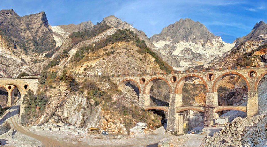 Tuscan marble quarries Carrara art