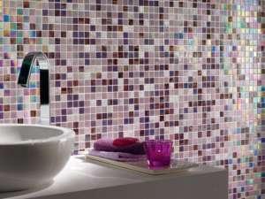 mosaico-vetro-sweet-purple-ambientazione bagno moderno